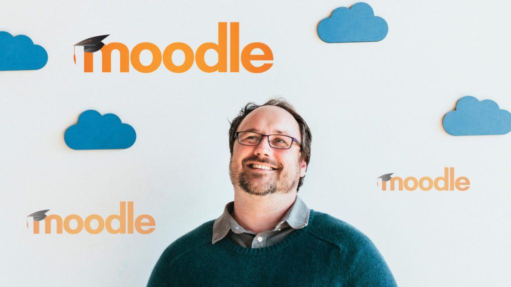 Cómo configurar un curso con Moodle